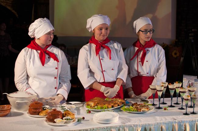 Выставка-дегустация блюд местной кухни в рамках работы туристической площадки «Made in Arctic» («Сделано в Арктике»)