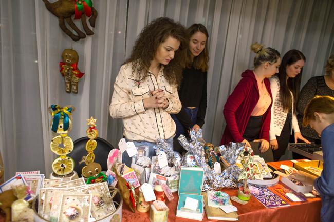 Новогодняя ярмарка-продажа «Зимние фантазии», МТКС