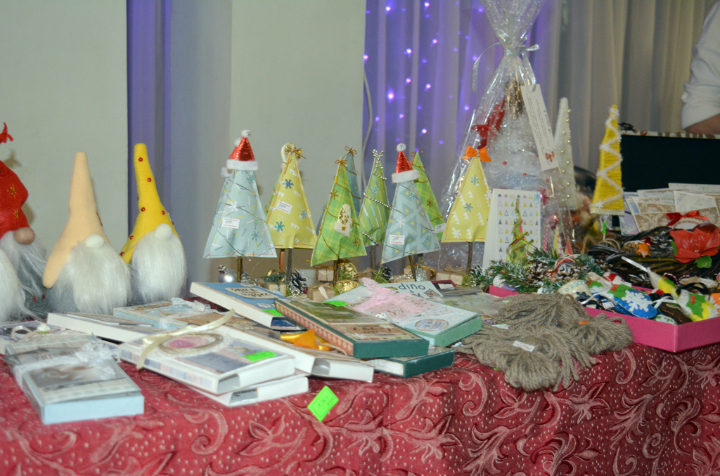 Новогодний фестиваль творчества студентов МТКСи ярмарка-продажа сувенирной продукции, МТКС