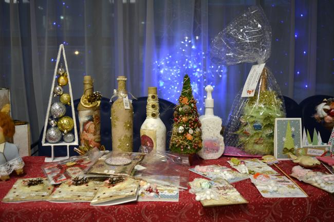 Новогодний фестиваль творчества студентов МТКСи ярмарка сувенирной продукции
